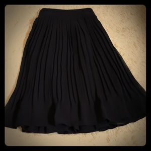 🏷 2 For $12/NWOT Candies black skirt